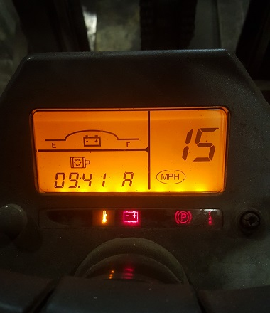 Code 15 on the dash of a Caterpillar forklift