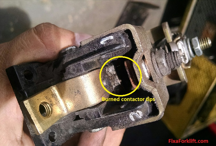 Forklift contactor diagnosis and replacement